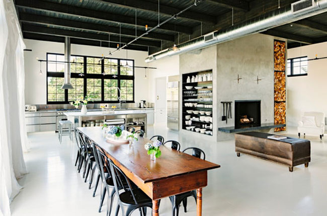 Metallic-details-in-an-industrial-home